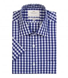 Мужская полуприталенная рубашка белого с ярко синим цвета в одноцветную клетку с коротким рукавом