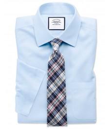Мужская приталенная рубашка Charles Tyrwhitt небесно-голубого цвета , ткань поплин, не требующая глажки, короткий рукав