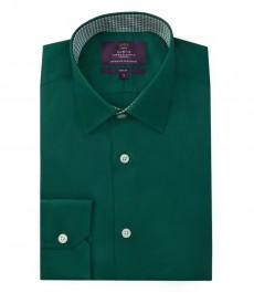 Мужская зеленая рубашка, приталенная, одинарные манжеты.