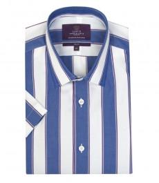 Мужская приталенная рубашка, в широкую ярко-голубую и белую полоску, короткий рукав.